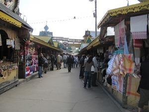 souvenir-market-near-izmailovo